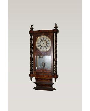 Orologio da parete riccamente intarsiato del 1800