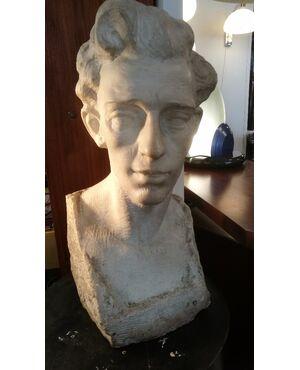 Testa in marmo di Carrara, Scolpita da Alfredo Pina (1883 - 1966) - Firma leggibile sul retro - H 50 cm