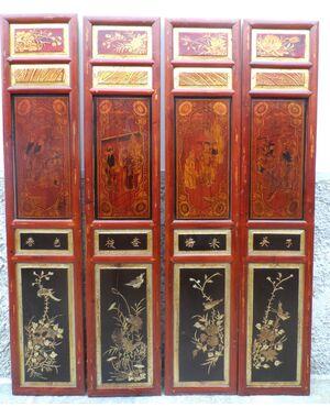 Serie di 8 otto pannelli cinesi intagliati, dorati e dipinti