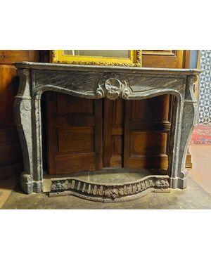 chm627 - camino in marmo grigio Bardiglio, cm l 150 x h 102