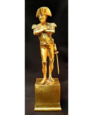 Statuetta raffigurante Napoleone. Bronzo dorato.