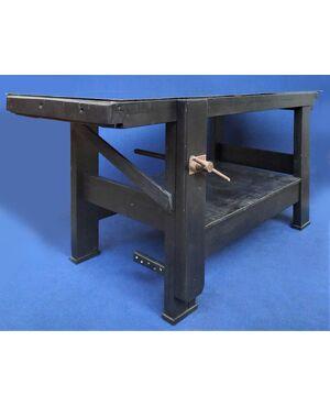 Tavolo da falegname in legno laccato nero e top in vetro - Italia XX sec.