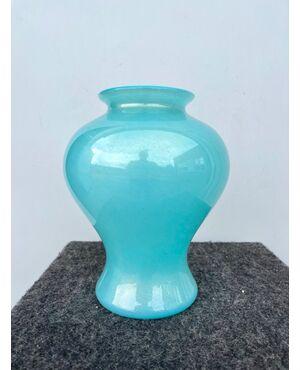 Vaso globulare in vetro sommerso azzurro con foglia oro.Barovier &Toso.