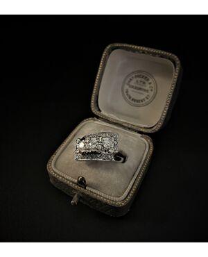 Anello  con  Diamanti  1  ct.