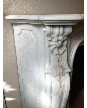 camino in marmo bianco carrara  pompadour