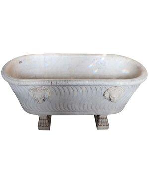 Rara vasca in marmo bianco di carrara finemente scolpito epoca Impero prmi '800