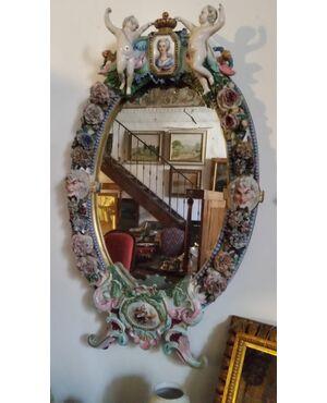 Grande specchiera in porcellana