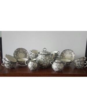 Servizio da the decorato in argento