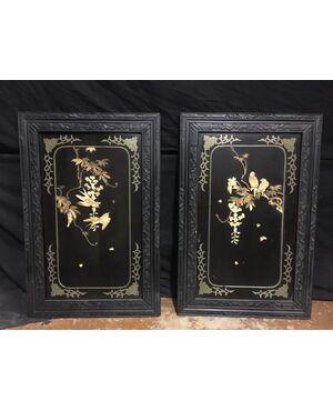 Coppia di quadri con intarsi in avorio e madreperla
