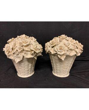 Cestini di rose in ceramica