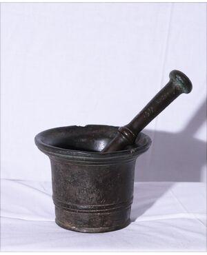 Mortaio in bronzo con batacchio, '600
