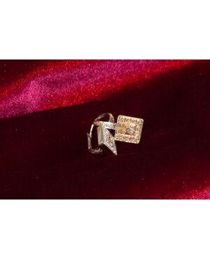 Orecchini a monachella in oro bianco e diamanti