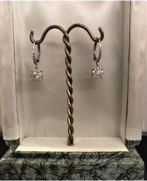 Orecchini   pendenti   con  Diamanti  1.20  ct.