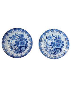 Coppia di piatti in ceramica artistica colore blu marchio Delft 1980