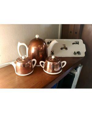 Servizio da tè (teiera, zuccheriera e lattiera) anni Settanta in rame e ceramica