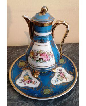 Caffettiera/teiera con piatto in porcellana francese dipinta a mano epoca fine '800